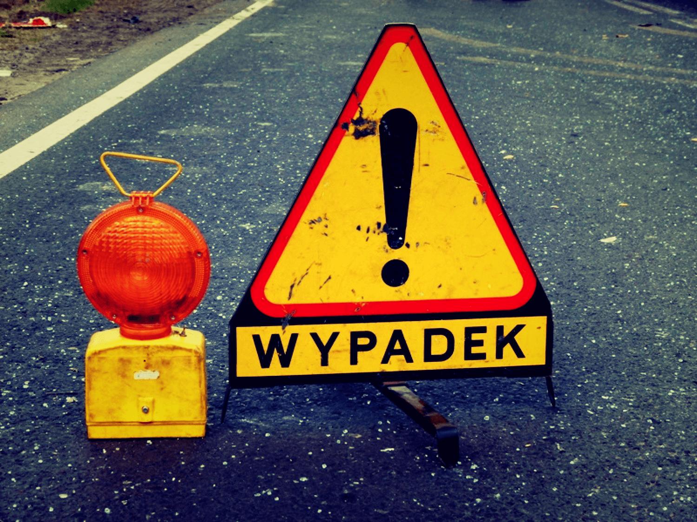 Wypadek lub uszkodzony samochód na autostradzie?